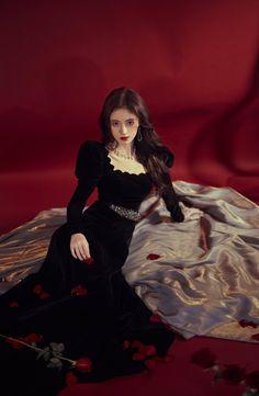 Korean Girl, Asian Girl, Debut Photoshoot, Fashion Cover, Mode Streetwear, Velvet Fashion, Cosplay Outfits, Celebs, Celebrities