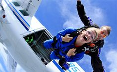 What to do on a beautiful day? Watch TV? Go out to eat? Nah. Face your fears, pump up your adrenaline or just do something unexpected - save more than half on a skydive!