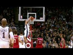 This Guy can Fly! Amazing Dunk by Gerald Green