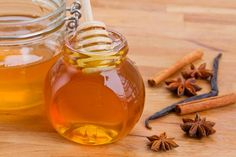 Many of you may not think of eating honey and cinnamon to lose weight, but when combined they can reduce food cravings.