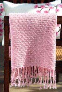 Kudottu Nuppu-hartiahuivi – Katso ohjeet: Kotiliesi.fi - Woven blanket Linen Curtains, Fiber Art, Shawl, Rugs, Knitting, Inspiration, Blankets, Steampunk, Villa