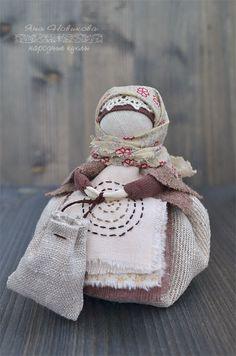 По мотивам народных кукол. Кубышка-кофейница