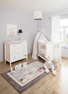 Habitación bebe blanca