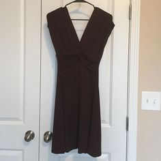 Dress Knee length dress with cap sleeves. Great condition. Barely worn. Very flattering. Comfortable with lots of stretch. Kohls  Dresses