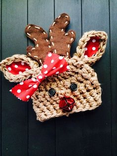 Almost too cute for words! Little reindeer hat is a must-have for the upcoming holiday season. Ears are lined with fabric, and antlers are made