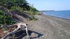 Akar Akar Beach