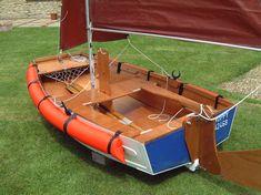 Seahopper folding sailing dinghy  http://www.shorebase.co.uk/boating/sailing/hoppy/hoppy.asp