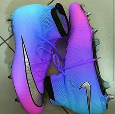 THESE ARE AMAZING Nike Cleats, Softball Cleats, Cool Shoes For Girls, Girls Shoes, Adidas Shoes, Sneakers Nike, Vans, Nike Shoes Outlet, Stollen