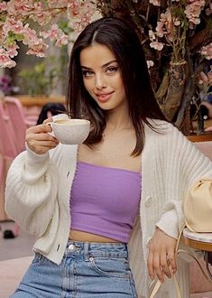 Sexy Coffee, Coffee Girl, Coffee Lovers, Summer Outfits For Teens, Casual Summer Outfits, Fashion Shoot, Fashion Beauty, Fashion Outfits, Brunette Beauty