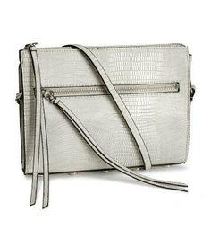 Snakeskin shoulder bag for prom #accessories #prom #stpatricksday