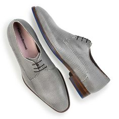 14146/01 - Black/White, patent leather lace shoe