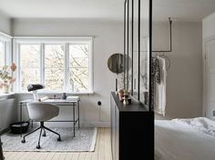 my scandinavian home: Small space inspiration - from the home of a Swedish stylist Scandinavian Apartment, Scandinavian Interior Design, Scandinavian Home, Home Interior, Nordic Design, Interior Modern, Studio Apartment Decorating, Apartment Design, Apartment Living