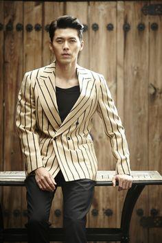 배우 현빈이 차기작으로 SBS 드라마 '하이드 지킬 나'를 선택했다. '하이드 지킬 나'는 웹툰 '지킬박사는 하이드씨'를 원작으로 한 20부작 미니시리즈 드라마다. 한 남자의 전혀 다른 두 인격과 사랑에 빠진 한 여자의 삼각 로맨…