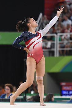 Women's Final at the 2016 Rio de Janeiro Olympics – Laurie Hernandez - Olympic Gymnastics Team Usa Gymnastics, Gymnastics Images, Gymnastics Poses, Artistic Gymnastics, Olympic Gymnastics, Olympic Sports, Olympic Team, Gymnastics Girls, Olympic Games