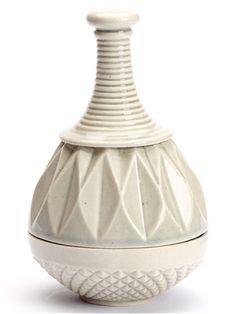 FAIRYTAL PORCELAIN JARS  Ceramist Thora Finnsdottir makes jars that dreams are made of.