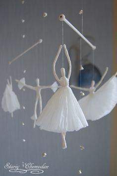 Russian, Stariy Chemodan creates these adorable, cute and whimsical wire and paper napkin ballerinas! Great for Christmas decorations, mob. Paper Mache Crafts, Wire Crafts, Diy And Crafts, Crafts For Kids, Arts And Crafts, Kids Diy, Christmas Crafts, Christmas Decorations, Paper Napkins For Decoupage
