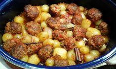 κεφτεδακια στιφαδο Sausage, Potatoes, Meat, Vegetables, Ethnic Recipes, Food, Sausages, Potato, Essen