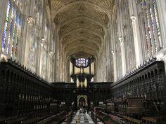 King's College Chapel, Cambridge   https://upload.wikimedia.org/wikipedia/commons/thumb/1/14/King%27s_College_Chapel%2C_Cambridge_15.JPG/1024px-King%27s_College_Chapel%2C_Cambridge_15.JPG