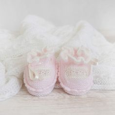Bloombees, the Instant Commerce: Post, sell & get paid worldwide Little Dresses, Baby Knitting, Slippers, Shoes, Fashion, Hand Knitting, Tejidos, Hipster Stuff, Mesh