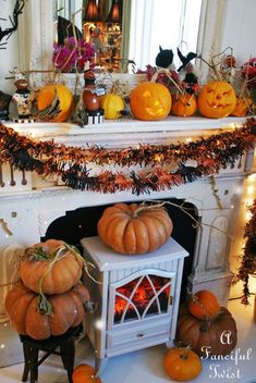 Artist, Vanessa Valencia, weaves her tales of art and life. With a dash of humor and a sprinkle of drama. Halloween Items, Halloween Town, Spirit Halloween, Happy Halloween, Halloween Decorations, Fall Mantels, Fall Decorating, Hallows Eve, Favorite Holiday
