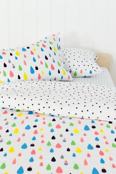 Duvet cover for kids. Gorgeous teardrop and triangles pattern and colors from Cotton On!