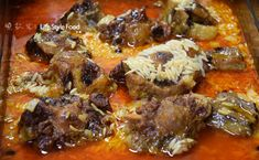 Recipe for oxtail with orzo pasta (giouvetsi) cut into slices. A delicious traditional dish served with anu grated cheese of your preference or mizithra cheese. Mizithra Cheese, Oxtail, Grated Cheese, Tomato Paste, Orzo, Baking Pans, Tasty Dishes, Pot Roast, Pasta
