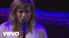 Kelly Clarkson - Sober (Live From the Troubadour 10/19/11) - YouTube