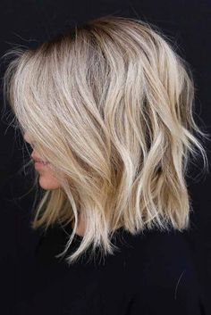 30 Ideas Of How To Sport Popular Shag Hairstyles T+ 30 Ideen, wie man beliebte Shag-Frisuren trägt T + # Blonde Messy Short Hair, Short Hair Cuts, Short Blonde Curly Hair, Short Hair With Layers, Celebrity Hairstyles, Hairstyles Haircuts, Medium Shag Hairstyles, Female Hairstyles, Hairstyles Videos