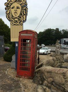 Rode oude Engelse telefooncel ...te koop bij Medussa Heist op den berg