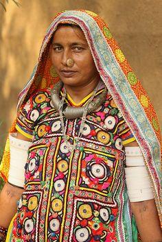 Meghwal tribal woman - india - gujarat by Retlaw Snellac, via Flickr