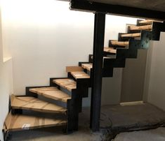 Staircase Design Modern, Spiral Stairs Design, Home Stairs Design, Modern Design, Stairs Architecture, Architecture Design, Pergola En Kit, Small Space Stairs, Modern Garage Doors