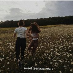 I wish my teenage years werent based on the things they are but I will grow and learn from it all, move forward and don't look back. Aesthetic Words, Aesthetic Photo, Aesthetic Fashion, Aesthetic Pictures, Aesthetic Captions, Autumn Aesthetic, Photography Aesthetic, Photographie Portrait Inspiration, Tumblr Quotes