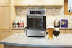 A Pico é uma máquina expressa que faz cerveja em casa através de cápsulas.