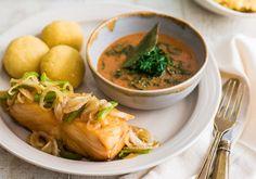 Bacalhau com couve cozida e fufu, prato típico do Congo