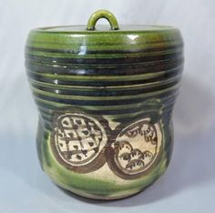Japanese Vintage Oribe-yaki 織部焼 or Oribe Ware Mizusashi or Cold Water Container with Lid
