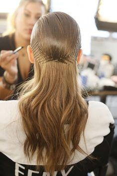 Mar 17 2020 - Hair clips accessories / hair styles beauty men How . Pelo Editorial, Natural Hair Styles, Short Hair Styles, Runway Hair, Catwalk Hair, Hair Arrange, Love Hair, Fall Hair, Up Hairstyles