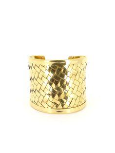 Boukhara - Bracelet manchette rigide tressé en métal doré ethnique http://www.diwali-paris.com/bijoux-bracelet-dore-metal-ethnique-5518.html