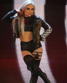 Post with 2741 views. Wrestling Superstars, Wrestling Divas, Women's Wrestling, All Wwe Divas, Hottest Wwe Divas, Total Divas, Wwe Outfits, Becky Wwe, Bad Dresses