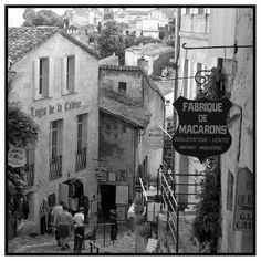From the travel archives (Place du Marché au Bois 2004). One day I hope to return to Saint-Émilion and just take my time walking through its narrow streets. . . . . . . . . . .  #bwstylesgf #bnw_captures #bnw_universe #bwmasters #igfotogram_bw #excellent_bnw #igblacknwhite #blackandwhite_perfection #bnw_demand #bnwmood #bnw_planet #bnw_society #bnw_magazine #bnw_globe #bnw_of_our_world #top_bnw #bw_lovers #bw_photooftheday #bw_crew #bwstyleoftheday #noir_vision #bnw_diamond #bnw_life…