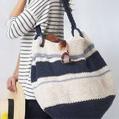 nautical hobo bag. Download this free pattern at allcrochetpatterns.net