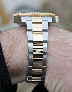 Rolex Submariner Gold 116613LN Men's Watches, Luxury Watches, Watches For Men, Rolex Submariner Gold, Watch Companies, Men Watch, Belts, Bracelet Watch, Men's Fashion