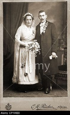 people, marriage, bridal couple, cabinet card, C. M. Ruecker, Maehrisch Truebau (Moravska Trebova), Moravia, Czechia, circa 1900 Stock Photo