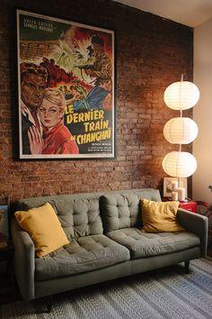 Decoração vintage moderna - sala com pôster vintage