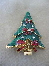 Darling Tiny Tree Christmas Pin -- Goldtone Green Enamel Clear Rhinestone