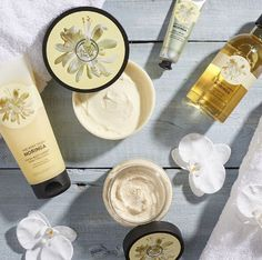 The perfect gift for your Bridesmaids - our sweetly scented Moringa collection!