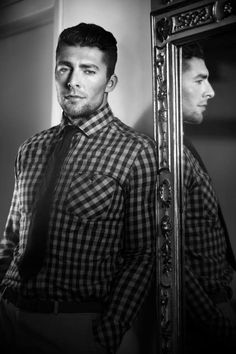 Joffrey Lupul - the only reason I'd ever cheer for the Leafs Hot Hockey Players, Nhl Players, Carolina Hurricanes, Pose For The Camera, Toronto Maple Leafs, Pittsburgh Penguins, Best Games, The Funny, My Boys