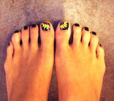 Sunflower nail art this girl has ugly feet tho