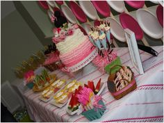 Minnie Mouse Picnic Party! on http://pizzazzerie.com