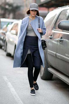 11 Increíbles Inesperadas Combinaciones De Colores Para Probar | Cut & Paste – Blog de Moda Maxi Cardigan, New York Fashion Week Street Style, Cool Street Fashion, Street Chic, Street Wear, Short Hair Outfits, Cool Outfits, Sporty Chic, Casual Chic