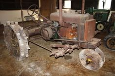 ANTIQUE TRACTOR AUCTION – NOVEMBER 9, 2013